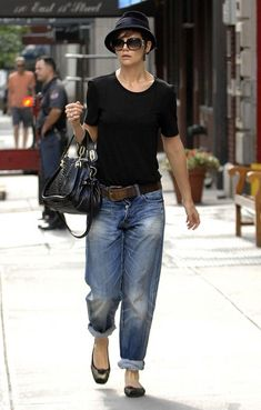 yea so this is pretty much my classic look! LOL    Katie Holmes Photo - KATIE HOLMES Wearing Her Baggy Jeans