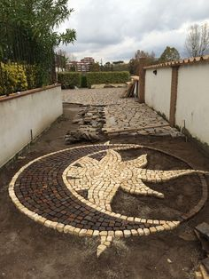 Holz Garten Ideen 20 Ways Decorating Patio and Garden Floor with Patterns – HomeDesignInspired Buy C Garden Stones, Garden Paths, Garden Tips, Garden Ideas, Patio Design, Garden Design, Stone Decoration, Stone Driveway, Garden Floor