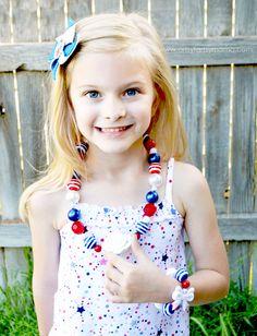 DIY Patriotic Necklace and Pinwheel Hair Clip Tutorial at artsyfartsymama.com