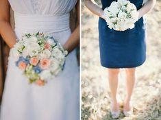 Casamento rústico em azul e amarelo | buquê noiva e buquê madrinha