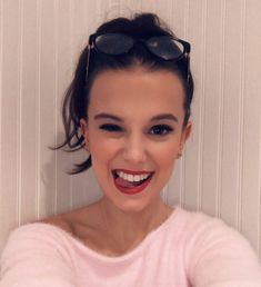 There is no doubt that Millie Bobby Brown is one of the hottest teen actresses… Stranger Things Actors, Bobby Brown Stranger Things, Stranger Things Aesthetic, Stranger Things Netflix, Millie Bobby Brown, Fake Girls, Peinados Pin Up, Teen Actresses, Bikini Pictures