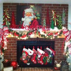 DIY Christmas Decoration Projects For Fireplaces - Worth Trying DIY Projects Classy Christmas, Christmas Art, Christmas Holidays, Christmas Design, Country Christmas, Christmas 2019, Christmas Stockings, Christmas Centerpieces, Christmas Decorations