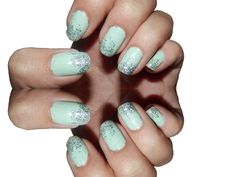 Vanessary: Mint nails with glitter