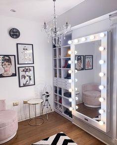 Neon Bedroom, Cute Bedroom Decor, Stylish Bedroom, Room Ideas Bedroom, Beauty Room Decor, Teen Bedroom Designs, Dream Rooms, Cool Rooms, Luxurious Bedrooms