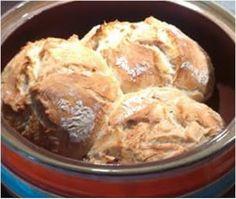 Το ψωμάκι μου χωρίς ζύμωμα !!  Υλικά 1 κιλό αλεύρι 2 φακελάκια μαγιά 1 κ.γ.ζάχαρη 2 κ.γ.αλάτι 4-5 κ.σ.λάδι 680 γρ.νερό Εκτέλεση  Σε έ... Greek Recipes, Light Recipes, Cookie Dough Pie, Easy Meals, Food And Drink, Homemade, Cooking, Ethnic Recipes, Breads