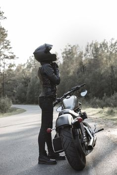 Love for Lady Biker: The Best Motorcycles for Women - Moto .- Love for Lady Biker: Die besten Motorräder für Frauen – Motorrad – … …. Love for Lady Biker: The Best Motorcycles for Women – Motorcycle – … … – Trend Mottorrad – Best Motorcycle – - Best Motorcycle For Women, Female Motorcycle Riders, Motorbike Girl, Motorcycle Style, Motorcycle Outfit, Motorcycle Helmets, Motorcycle Quotes, Motorcycle Camping, Motorcycle Gear Women