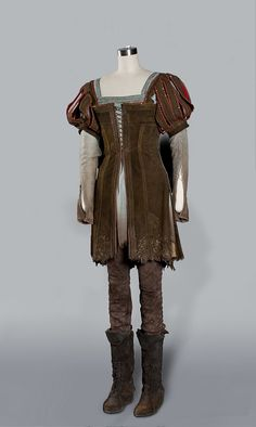 Google Image Result for http://thesevensees.com/wp-content/uploads/2012/05/Snow-White-Stewart-tunic.jpg