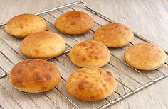 Schlotzsky's bread – No Knead Soft & Chewy Sourdough bread. I LOVE Schlotsky's! It's my very favorite sandwich! Copycat Recipes, Bread Recipes, Cooking Recipes, Schlotzsky's Bread Recipe, Cooking Ideas, No Knead Bread, Sourdough Bread, Cheddar, Recipe For 4