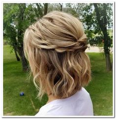 67 ideas hair short updo wedding pixie cuts - Updos For Medium Length Hair Wedding - Hochzeit Haare Easy Updos For Medium Hair, Updos For Medium Length Hair, Medium Hair Styles, Curly Hair Styles, Bridesmaid Hair Half Up Medium, Medium Hair Wedding Styles, Short Length Hairstyles, Short Hair Braid Styles, Bridesmaid Hair Short Bob