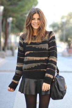 trendy_taste-look-outfit-street_style-fashion_spain-moda_españa-studed_boots-botas_negras_tachuelas-mas34-black_leather_skirt-falda_cuero-ikks-striped_knit_sweater-jersey_punto_rayas-marc_jacobs-polaroid-4