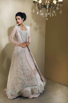 The Wedding Planner ♥ — Elegant Pakistani wedding gown ♥ - How pretty and different would this be for the nikkah? love =) Source by - Pakistani Couture, Pakistani Bridal Wear, Pakistani Wedding Dresses, Pakistani Outfits, Indian Dresses, Indian Outfits, Bridal Dresses, Wedding Gowns, Walima Dress