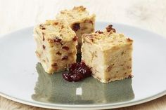 Een overheerlijke broodpudding op de wijze van moeke, die maak je met dit recept. Smakelijk!