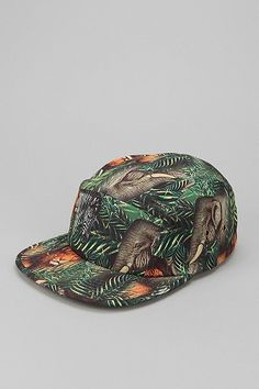 This type of cut on a cap is SO much better than the American style flat brim shit