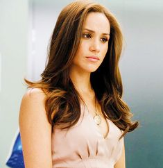 Rachel zane #suits   love the hair