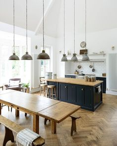Kitchen Flooring Ideas - This lovely big kitchen in Kent mixes vintage pendant lights, original parquet flooring and beautiful deVOL Shaker cabinets in Pantry Blue Big Kitchen, Open Plan Kitchen, Kitchen Living, Family Kitchen, Stylish Kitchen, Navy Kitchen, Blue Kitchen Ideas, Ranch Kitchen, Space Kitchen