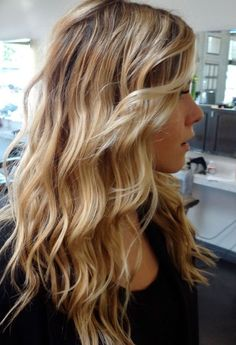 Love the contrast of these medium blonde and very light vanilla blonde balayaged highlights against a light to medium brown base