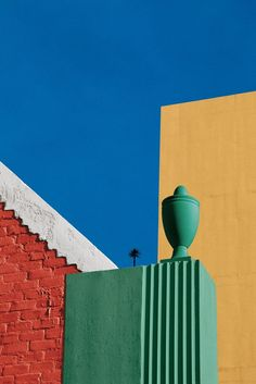 Available for sale from Robert Klein Gallery, Franco Fontana, Los Angeles 100 × 70 cm Minimal Photography, Color Photography, Landscape Photography, Photography Blogs, Iphone Photography, Urban Photography, Franco Fontana, Robert Klein, Colour Architecture