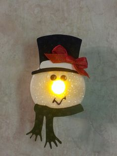 Christmas DIY Decorations Easy and Cheap – Snowmen Candle Holders Christmas Tea, Christmas Crafts For Kids, Christmas Projects, Holiday Crafts, Christmas Holidays, Handmade Christmas Decorations, Diy Christmas Ornaments, Tea Light Snowman, Light Crafts