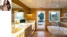 Rústico, o banheiro de Cindy Crawford conta com muita madeira e banheira branca Rosie Huntington-Whiteley