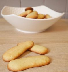 Cat languages (gluten-free without milk) - How I changed my life - A gluten-free and lactose-free cat& tongue recipe! Cat tongues was one of the cookies we alwa - Paleo Dessert, Healthy Dessert Recipes, Gluten Free Desserts, Easy Desserts, Baby Food Recipes, Recipes Dinner, Holiday Recipes, Sin Gluten, Dairy Free Recipes For Kids