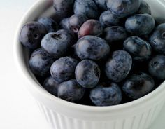 Blueberries Did you know that much of the power of blueberries lies in their color? That deep-blue hue is a byproduct of flavonoids—natural compounds that protect the brain's memory-carrying cells (neurons) from the damaging effects of oxidation and inflammation. Since blueberries are one of the best sources of flavonoids you can find, it's no surprise …