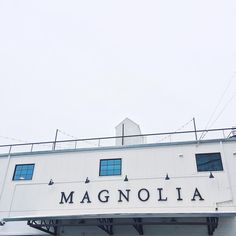 || Finally got around to visiting The Silos @magnolia and it did not disappoint. Every @fixerupperhgtv fan's decor dreamland. [A] #OUTINON