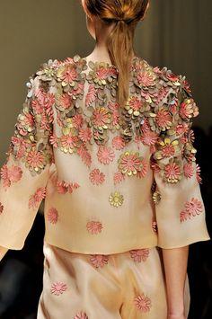 Laura Biagiotti Spring 2012 - #flowers #fashon #details