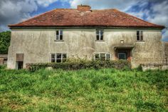 Visited this large farm house a little while back.it was fairly empty but did have some lovely decay.and some nice colours. Derelict House, Derelict Places, Abandoned Places, Norfolk, Decay, Maine, Farmhouse, House Styles, Beautiful