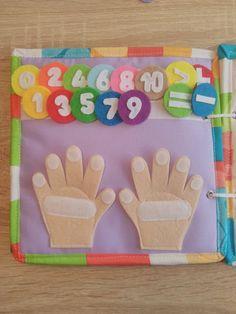 Diy Quiet Books, Baby Quiet Book, Felt Quiet Books, Diy For Kids, Crafts For Kids, Montessori Books, Quiet Book Patterns, Toddler Books, Toddler Activities