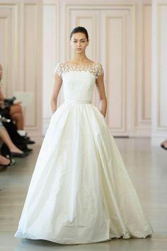 Hochzeitskleid aus Seide mit Ärmeln