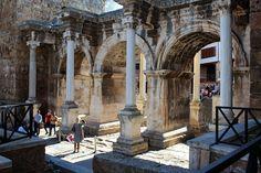 lauluni sadepäivän varalle: Antalyan vanha kaupunki (Kaleiçi) #antiikinaikainen #hadrianuksenportti #antalya #turkki #turkey #travel