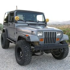 Jeep Pickup Truck, Lifted Ford Trucks, Gmc Trucks, Jeep Wj, Jeep Gear, Truck Accesories, Rock Sliders, Old Jeep, Wrangler Accessories