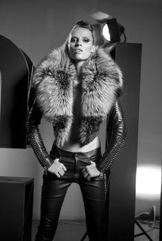 Studio Vogue Fashion Shoot Fur&Leather Photographer YükselKurt Model Katharina Linke
