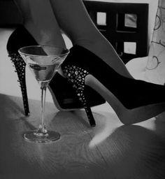 Black N White, Black White Photos, Black And White Photography, Stiletto Heels, High Heels, Yennefer Of Vengerberg, Jolie Photo, Sensual, Photography Poses