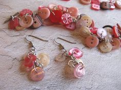 Button Jewelry Designs | http://www.etsy.com/listing/45976027/button-bracelet-from-your-buttons