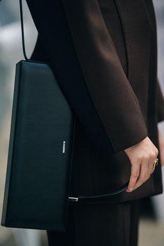 A Dreamy Life - modedamour: Jil Sander Fashion Belts, Fall Fashion Outfits, Women's Fashion Dresses, Fashion 101, Women's Dresses, Street Fashion, Fashion Women, Choice Fashion, Minimalist Street Style