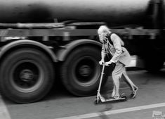 Grandpa hurries on a date, Moscow, Russia - by Vasily Chekorin, Russian