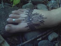 Sara's hennaed foot by ~Ravenbraids on deviantART