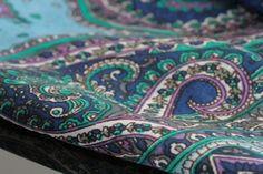 Carré en soie Taj mahal- foulard indien d'inde en soie, foulard carré, foulard en soie - Indian silk square scarf - indian fashion - mode indienne chez princessefoulard.com