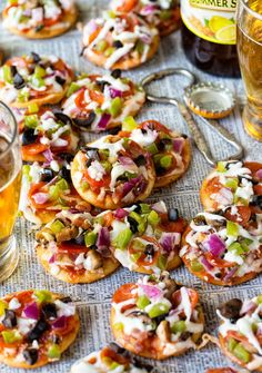 These is not Pizza Hut& Cheesy Pizza Bites, nor is it mini pizzas. This is a pizza bite recipe that truly yields one bite. The prefect party food for you next game day eats. One Bite Appetizers, Appetizers For Party, Appetizer Recipes, Mini Pizzas, Pizza Bites, Pizza Hut, Sandwiches, Pasta, Food For A Crowd