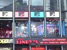 90s MTV TRL Studio in Times Square -Rush home from school and watch this jam errryday!