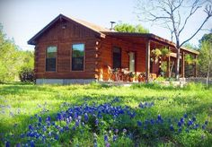 Hill Country Cabin....Texas Hill Country rental about hour from Austin