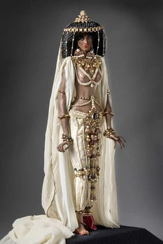 Full length color image of Queen of Sheba aka. Malkat Sh'va, by George Stuart.