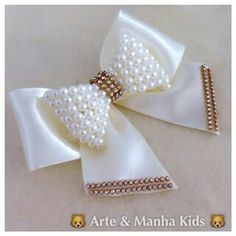 This post was discovered by Az Hair Ribbons, Diy Hair Bows, Diy Bow, Diy Ribbon, Ribbon Work, Ribbon Crafts, Bead Crafts, Diy And Crafts, Yarn Crafts