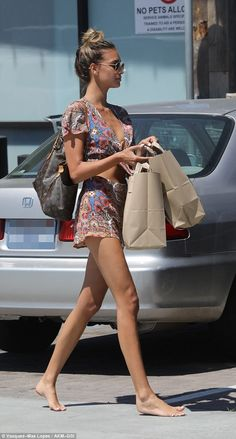 April Love Geary shopped barefoot at Malibu Country Mart