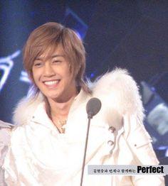 Kim Hyun Joong 김현중 ♡ Kpop ♡ Kdrama ♡ smile ♡ angel ♡ perfect ♡ long hair ♡ SS501 ♡