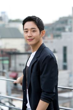 [Interview] Jung Hae-in Wants to Rely on His Acting and Not on His Looks