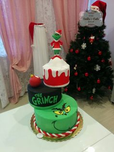 The Grinch cake More