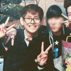 V e jhope V E Jhope, Jungkook Selca, Bts Taehyung, K Pop, V Smile, Bts Season Greeting, Bts Scenarios, Taehyung Photoshoot, V Bts Wallpaper