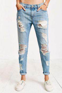 BDG Distressed Light Wash Denim Slash Slim Boyfriend Jeans Size 26